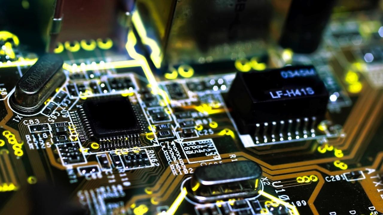 desafios do técnico em manutenção de celulares com a área