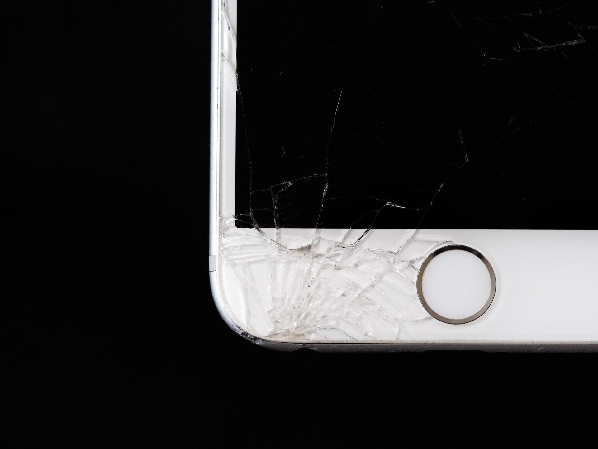 Evitando prejuizos com manutenção de celular